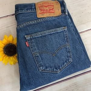 LEVI'S 501 32x36 Straight Leg Button Fly Jeans